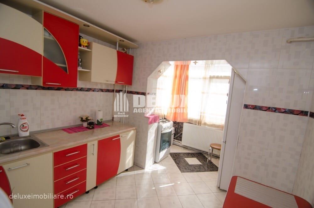 Apartament cu 3 camere ,zona IC Frimu