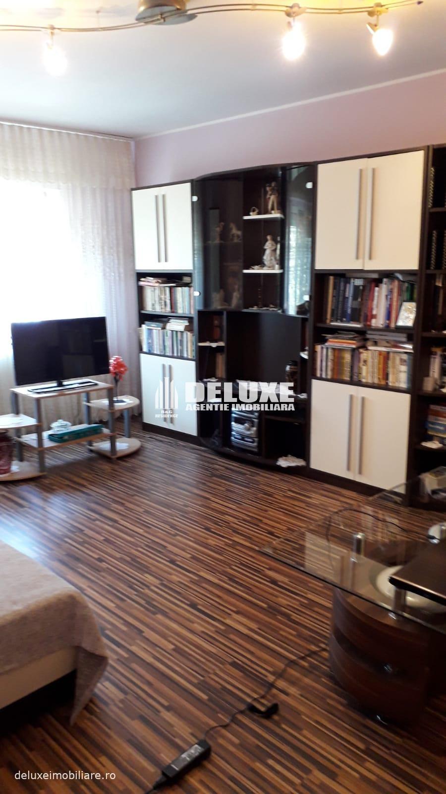 Apartament cu 2 camere in Piata Centrala,mobilat si utilat