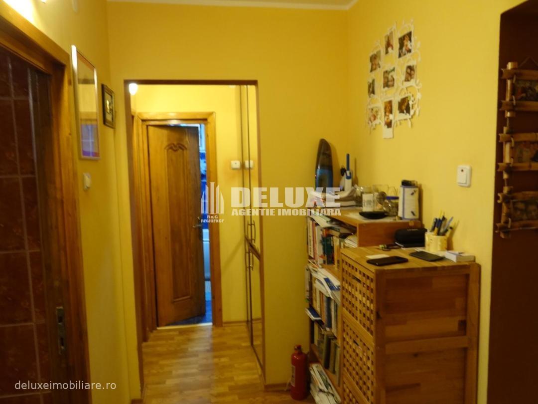 Apartament cu 3 camere Micro 18