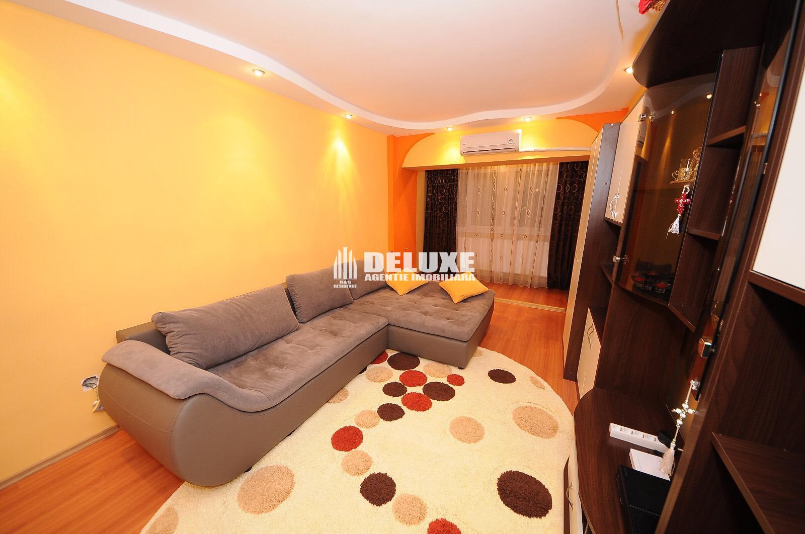 Apartament cu 3 camere,Micro 20