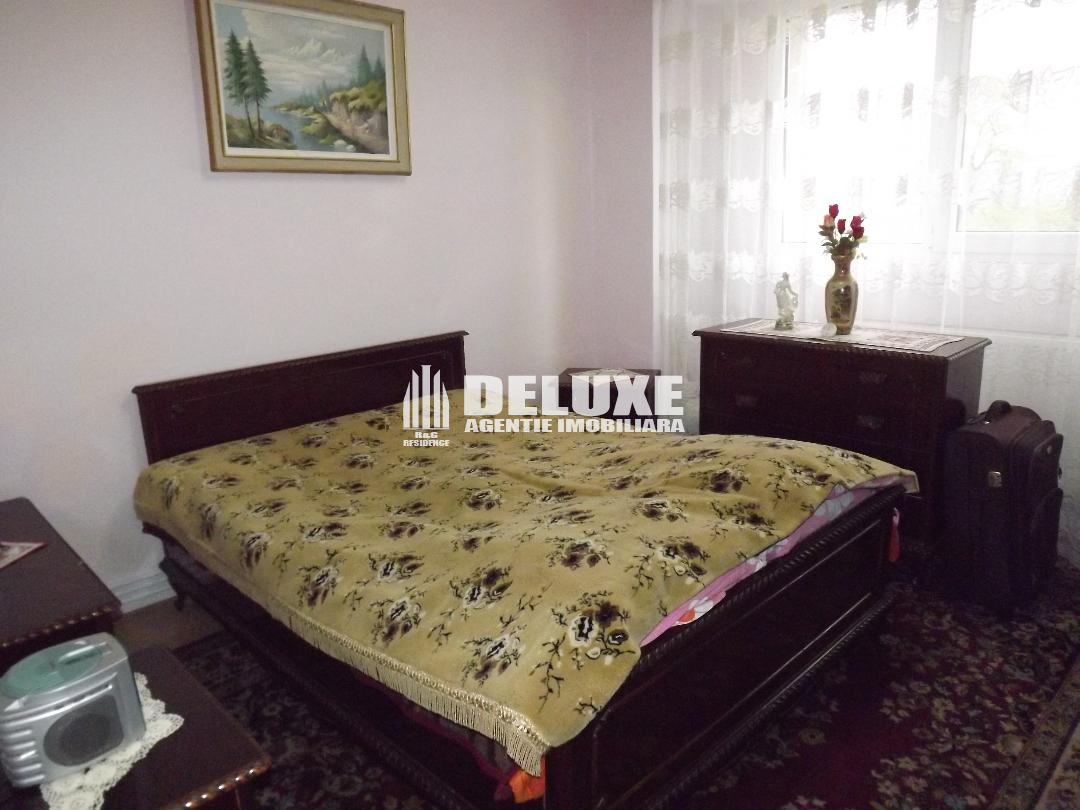 Apartament cu 3 camere in Mazepa I